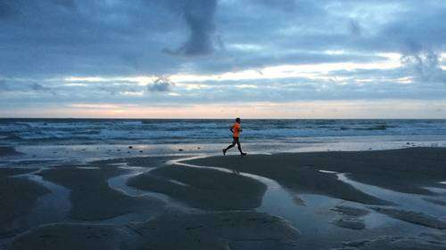 Fartlek Training for Beginners - Running on the beach