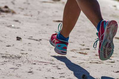 Good Running Shoes For New Runners - running in the sand