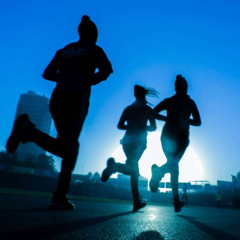 Should I join a running club group runners