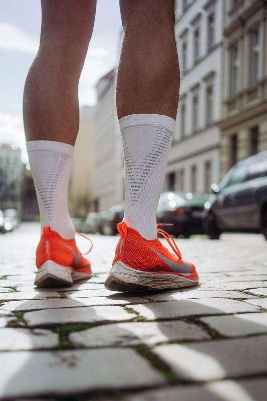 running socks that prevent blisters - white
